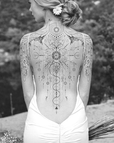 Sophisticated, elegant, sensual, feminine… spiritual… Flash Available ✨