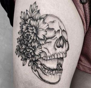 Skull peonie