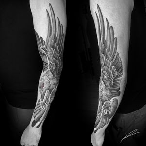 Instagram: @rusty_hst Custom Raven for Steven. Love these Large scale pieces. #blackandgrey #raven #neotraditional
