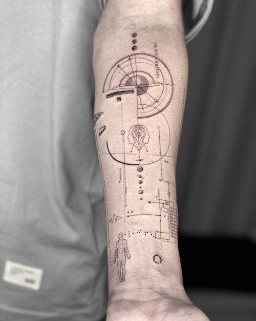#tattoo #singleneedletattoo #finelinetattoo #balitattoo #geometrictattoo