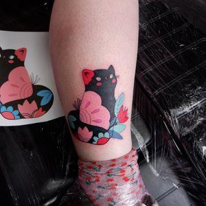 Kitty tattoo from my flash 💖 #cattattoo #kittytattoo #flowertattoo #flashtattoo