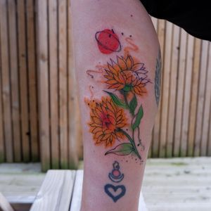 Flower tattoo #flowertattoo #sunflowertattoo #watercolourtattoo