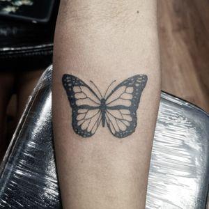 🖋️✨ Disponibilité ! 📲Écrivez-moi pour plus d'informations 😉 #paris #parisiledefrance #parisstreetstyle #paristattoo #francetattoo ##francetatouage #paristatouage #blackworktattoo #blackandwhite #lineworktattoo #puntillismotattoo #3rltattoo #tattooworkers #tattoolife #tattoolifestyle #tattooink #tattooinspiration #tattoos_of_instagram #tattooshop #tattooshoutout