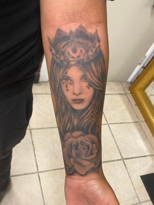 Half sleeve Queen and her rose! My client's first ever tattoo, done in two sessions! She handled both sessions beautifully!!🤗