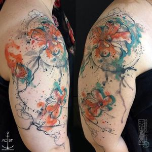 Flowers by Ania Jalosinska #floraltattoo #watercolortattoo #trashpolkastyle #shouldertattoo