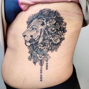 Lion #blackandgrey #fineline #liontattoo #ribtattoo