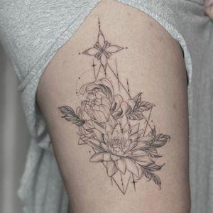 #finelinetattoo #chrysanthemum #waterlily #thightattoo