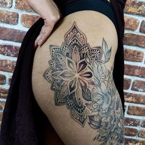 Close up shot of finished mandala piece #mandala #hip