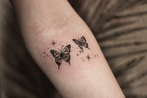 Monarch butterflies by Shaz Princess