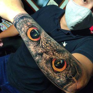 Owl eyes #realismtattoo #owltattoo #eyes #owltattoo #colorrealism #armtattoo