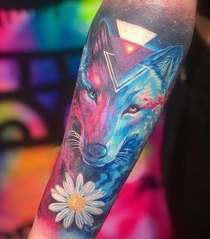 Neon Wolf #colortattoo #wolftattoo #realismtattoo #colorrealism #armtattoo