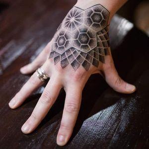 #tattoed #geometrictattoo #dotworktattoo #blackandgrey #greywash #tattooaddict #inkart #ink #inkaholic #tattoed #tattoo