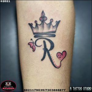 #calligraphytattoo #Rnametattoo #hearttattoo #Crowntattoo #rtattoo_studio