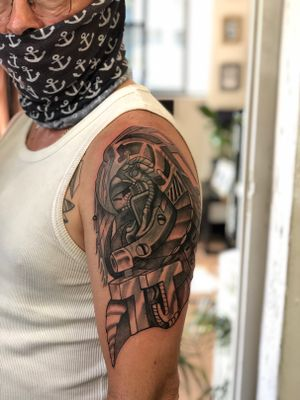 Amazing cover up done by @daniellotz101 🙌🏼 • @creamtattoosupplyza @tattooinc.co.za @linkedinktattoos @south_african_tattoo_society • #tattoo #art #capetown #capetowntattoo #kakluckytattoos #tattoos #coveruptattoo #kaapstad #tattooed #tattooartist #tattoostudio