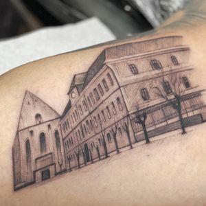 Booked through Tattoodo