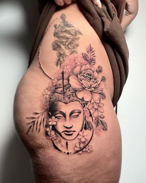 Tattoo from @valeninked