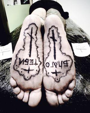 Tattooed the bottom of the feet for @lazardanilovic ! 'Lucky You' • Put with brutal love.🖤 • • • #tattoo #footsoletattoo #brutaltattoo #foottattoo #blackwork #heavyblackwork #russiantattoo #БЛАГОТЕБИ #abstractattoo #dermadonna #witchinghourNL #dermadonnacustomtattoos #streetart #bobbygrey #artist #amsterdamblackwork #blackworkers #blackworktattoo #blackworknetherlands #blackworkNL #heavytattoo #abusevtattoo #nopainnogain #inkspire #authentic #magnetateam #ink #tattooart #onlyblacktattoos #blacktattooart #bobbygrey