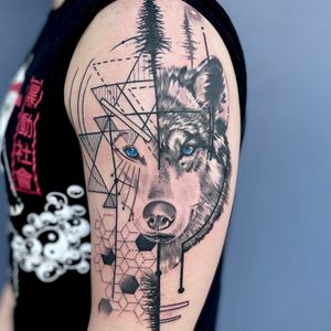 Geometric and black work wolf
