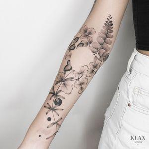 Vegetal / Botanic / Flower / Arm Tattoo Dotwork