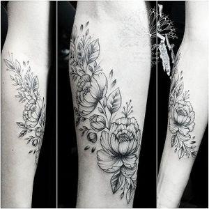 By @KahVazquezTattoo #KahVazquezTattoo #Tattoo #Tattoos #Tatuagem #Tatuagens #tatuagensfemininas #TatuagemFeminina #TattooFeminina #tatuagensdelicadas #Tatuagensparamulheres #Tatuadora #ink #inked #Tatuadores #TraçoFino #LinhasFinas #FineLine #Finelinetattoo #InstaTattoo #Tattoo2me #mehndi #Tattoodo #Tattoosincriveis #TattooNova #tattooidea #artoftheday #Ornamental #Mehndi #Mandalas