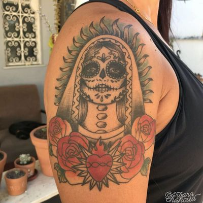 Healed Catrina! Catrina da Neusa cicatrizada, muito obrigada pela confiança! #tattoo #tattoodo #ink #inked #inkedgirl #neotraditionaltattoo #neotraditional #neotraditionaltattoos #neotrad #catrina #catrinatattoo #sugarskulls #sugarskulltattoo #sugarskull #color #colortattoo #colored #coloredtattoo #inkedmag #inkedmagazine