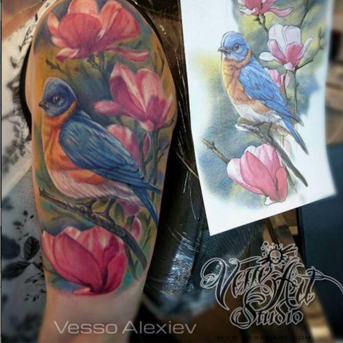 #bird #magnoliatattoo #customtattoos #vessoart #pocklington #cheyentattoopen #worldfamousink