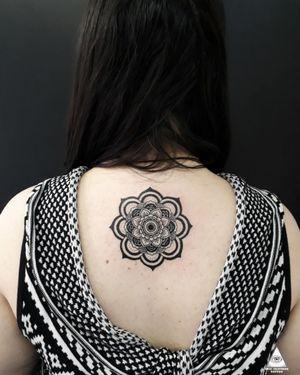 Mandala que curti muito fazer. Quer uma? Contato pelo: (11)9.9377-6985 Apoio: @extremeskincare ________________________________ #ericskavinsktattoo #mandalatattoo #tattoomandala #mandala #geometrictattoo #tattoogeometrica #tattoowork #inked #tatuagem #inkinstinctsubmission #tattoodoapp #tattoodobr #tattoodo #electrickinkbr #electrickink #tatuagemfeminina #tatuagemmasculina #tattoodesign #alphavilleearredores #alphaville #centrocomercialalphaville