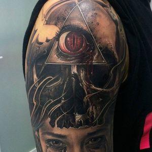 #realistic #horror #skull #eye #triangle #blackwork #blackandgrey #negativespace #butterfly #FredyTomas
