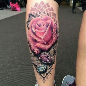 Ryan Smith #custom #flower #flor #dotwork #pontilhismo #RyanSmith