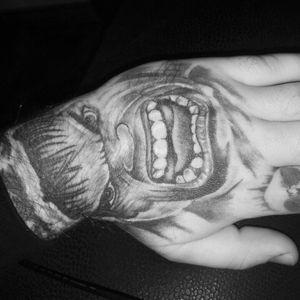 Hulk #handtattoo #Hulk