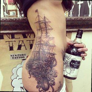 Kraken attack on sailor ship 🚢 🐙 #kraken #sailor #ship #oldschool #TattooGirl