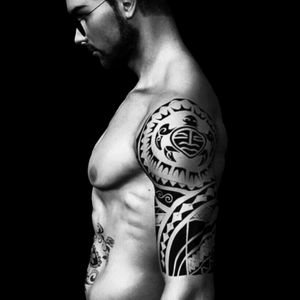 #blackandgrey #blackwork #allblack #tribal #polynesian #polynesiantattoo #maori #maoristyle