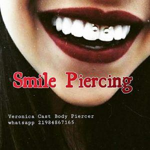#getpiercing #smilepiercing #bodypiercing #lovemyjob #veronicacastbodypiercer