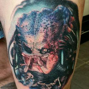 Predator artist Alex Wright #tattoos #tattooedmen #colour #realistic