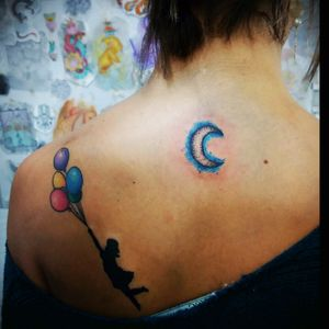 Moon tattoo and girl with colorful ballons #moontattoo #watercolor #ballons #aquilatattoo #carolinahelenaart