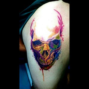 Tattoo crânio watercolor #watercolor #electricink #tattoo #tattoodo #crânio #tattooaquarela