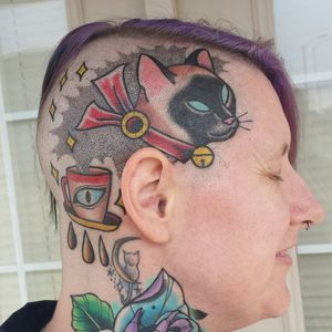 Head tattoo by Destroy Troy #girlswithtattoos #heavilytattooed #heavilytattooedgirls #cutetattoo #cattattoo #girlheadtattoo