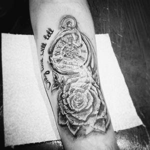 #clock #pocketwatch #roses #detail #realstic #script #blackandgrey #detail #tatt #tatt #tattoo #tattooartist #inkedgirl #inked #inkedlove #nopain #nopain #commentifyouwant #kent #uk