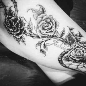 #girl #girly #coverup #roses #detail #realstic #blackandgrey #detail #tatt #tatt #tattoo #tattooartist #ink #inked #inkedlove #nopain #nopain #commentifyouwant #kent #uk