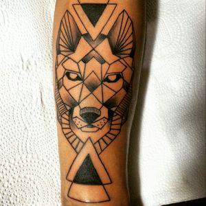 #tattoo #simetria #wolf #wolftattoo #geometric