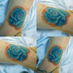 Blue Rose 🌹💙 #tattoo #tatuagensfemininas #rose #color #menkabella