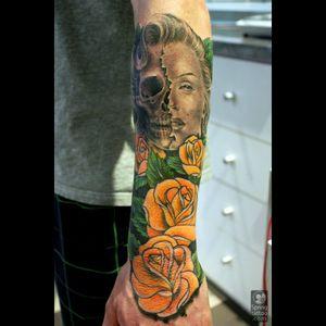 #blackandgrey #roses #marilynmonroe
