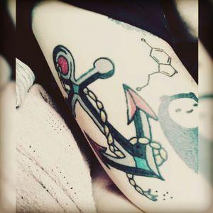 #revised #anchor #anchortattoos #americantraditional #misternoface #nofacetattoos #serotonin #tattooedladies