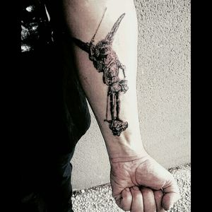 Tattoo du jour 👹 #tattooapprentice #apprentitattoo #apprenticetattoo #realistictattoo #blackandgreytattoo #blackandgreyrealism #realisticsketch #ink#inkjecta #inkjectaflitev2 #stencılstuff #pantheraink #stmichel #tattoodark #tattoos_of_instagram #tattoogril #tattoos #tattoo #tattoooftheday #tattooinstagram #tattooist #ange #military #metalhead #metal #tattooed #blackandgreytattoos #instaday #instalike #blackandwhitetattoo