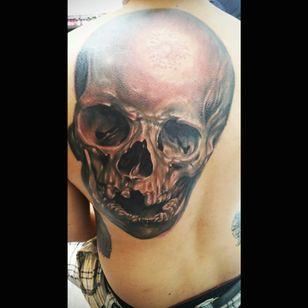 New tattoo by my idol artist #drazpalaming #Philippines #blackandgrey #skulltattoo #skullrealistic #backtattoo