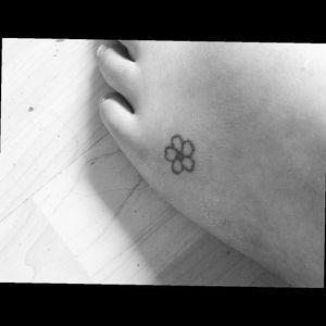 #forgetmenot  #flower #small #foot #girlytattoo  #littletattoo #unfinished