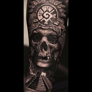 Something like this @amijames #dreamtattoo Artist:  @scrappyuno #Mexico #mexica #aztec #roots #mx