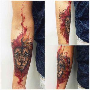 #liontattoo #watercolortattoo #tattooartist #tattoo #art #watercolor #lion #RJ #JohnNeedle