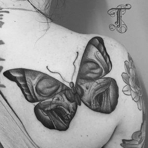 Butterfly skull by @taiobatattoo For info or bookings pls contact us at art@royaltattoo.com or call us at + 45 49202770 #butterfly #skull #kawaii #blackandgrey #royaltattoodenmark #royaltattoodk