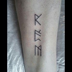 By me, done on my mother💕 #runes #icelandicrunes #handpoke #handpoked #handpoketattoo